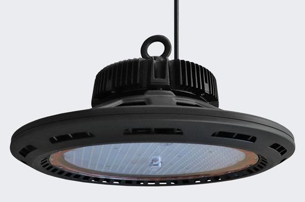 Campânula OLLED UFO HighBay 240w 120º 34000lm IP65